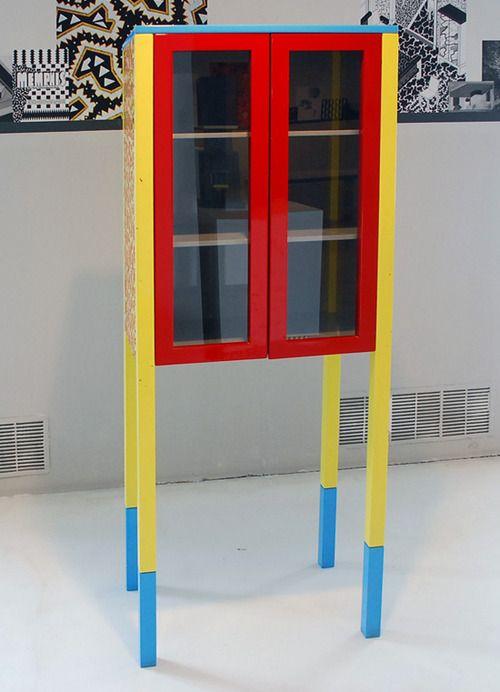 Ettore sottsass memphis retrospective exhibition for Mobili contemporanei