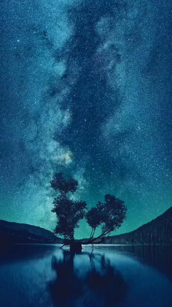 🌀Beautiful night sky🌀 #live #wallpaper [Video] | Beautiful night sky, Night scenery, Night sky photos