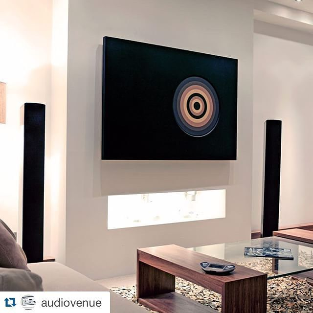 #Repost @audiovenue ・・・ #interiors #interiordesign #lutronlighting #lutron #definitivetechnology #futureautomation Concealed flat screen TV behind automated bespoke artwork #Audiovenue #2.1system #Ealing #london #maidenhead
