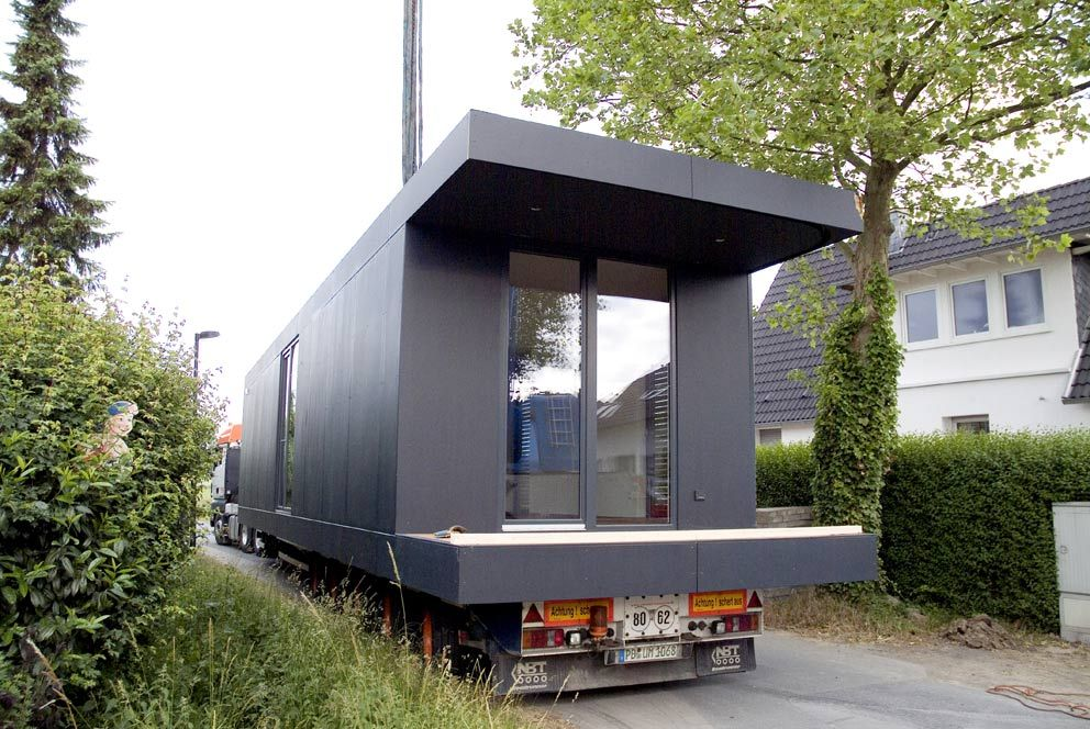 neues wohnen im cubig designhaus minihaus house. Black Bedroom Furniture Sets. Home Design Ideas