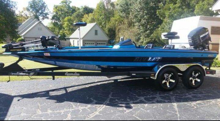20XD 225Promax | Bullet Boats | Bass boat, Boat, Fishing boats