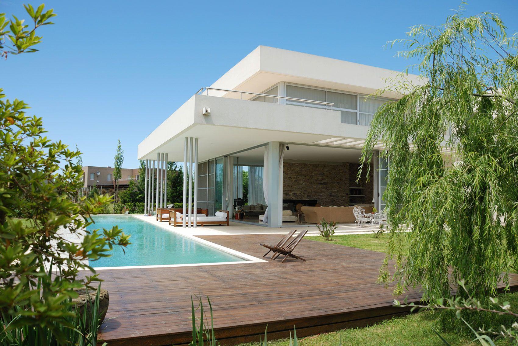 Sheer drapes window treatment ideas for the pool housesun room