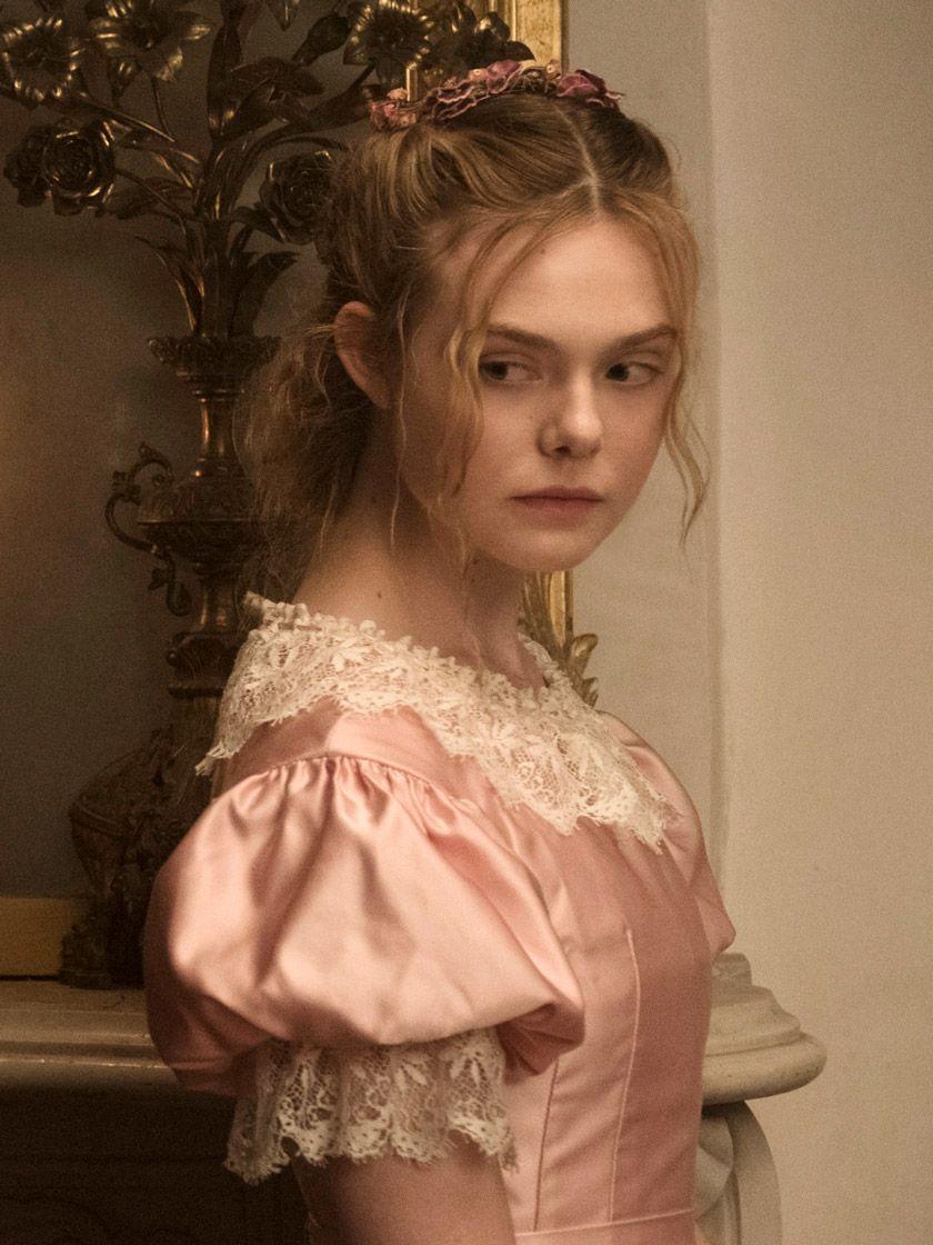 Die Verfuhrten Der Stil Von Sofia Coppolas Neuem Film Wird Auch Dich Begeistern Blumenmadchen Kleid Neue Filme Filme