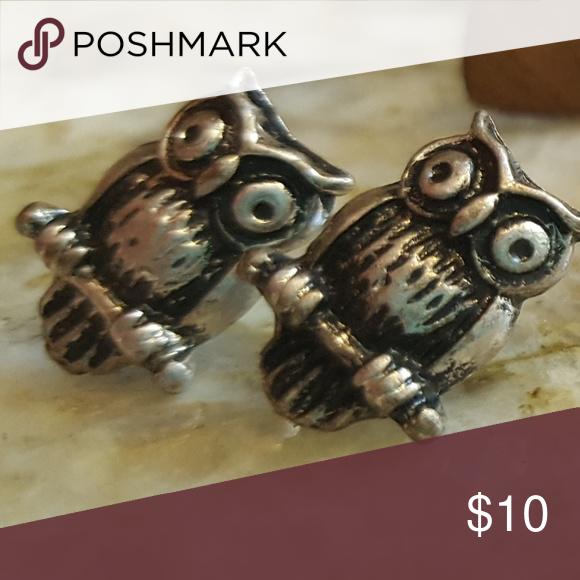 🦉Silver Owl Earrings Cute perching owl studs! Worn once, great fall accessory! 🍁 Happy poshing!😙 Jewelry Earrings