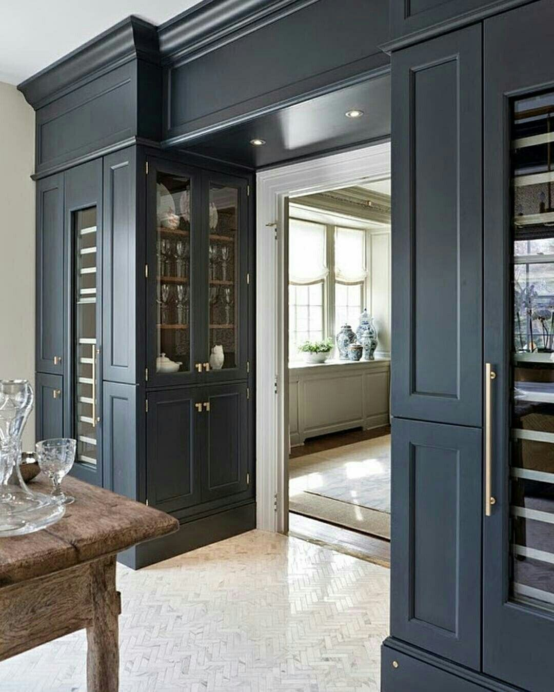 Butler Pantry, Transitional House, Custom Cabinetry