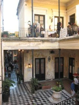 """""""""""SAN TELMO"""""""" Barrio de tango y conventillos, paseo obligado para todos los turistas. Buenos Aires"""