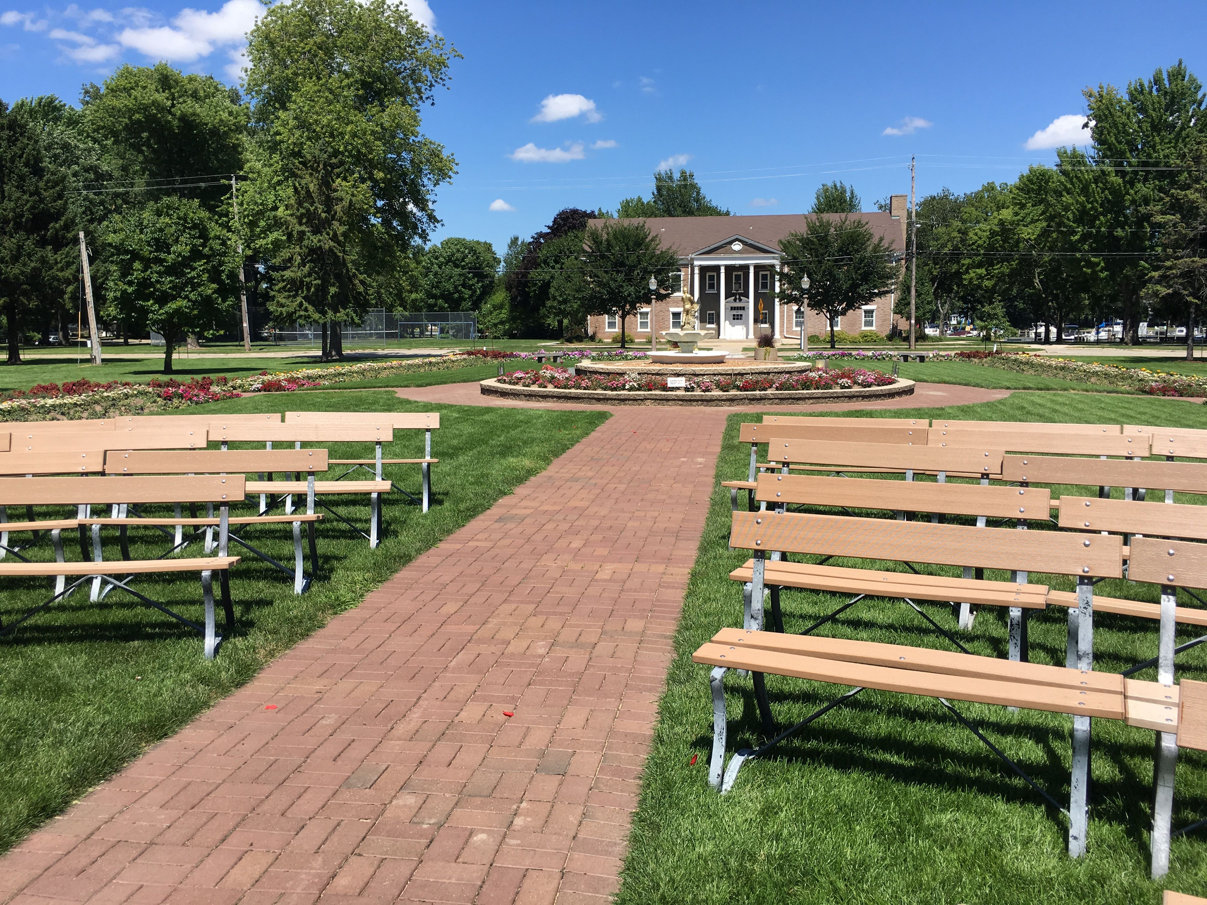 Smith Park Menasha Wi Wisconsin Wedding Outdoor Fall Wedding