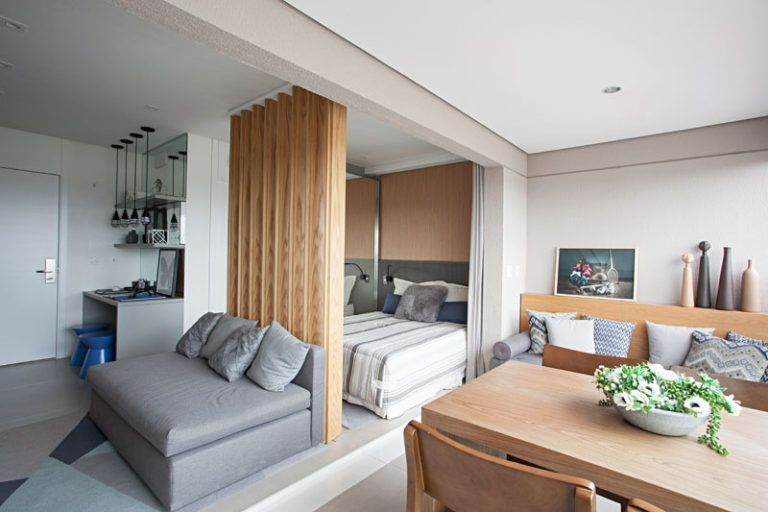 This Small Apartment Makes Efficient Use Of Limited Space With Thoughtful Interior Design Small Apartment Design Apartment Design Small Apartment Interior