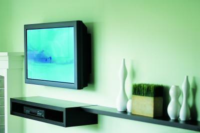 How To Hang A Flatscreen Tv Plaster Walls Wall Mounted Tv Tv Wall