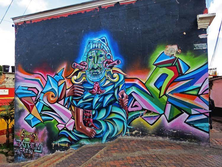 8. El Chorro de Quevedo es un lugar con murales que lo adornan. Este es uno de los más destacados y coloridos