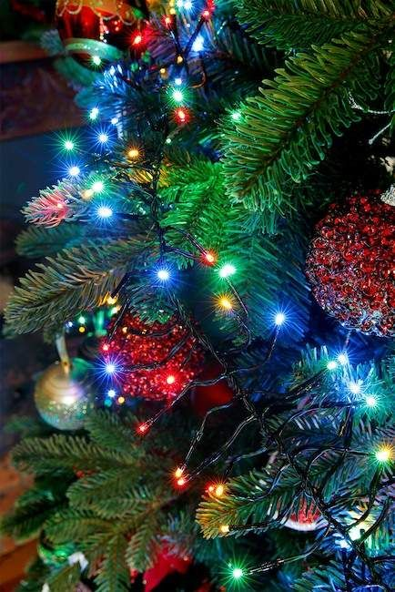 Artificial Christmas Tree With Twinkle Lights