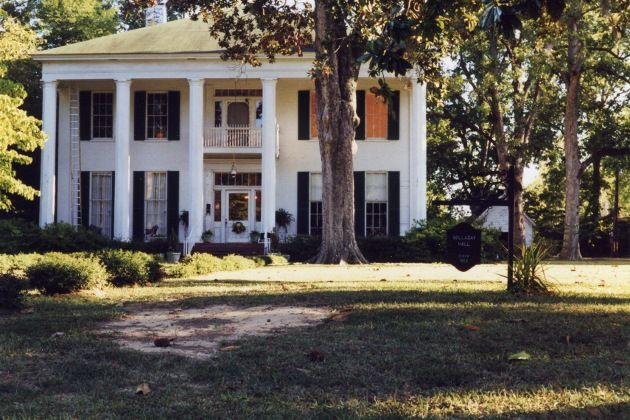 Named Mississippi S Most Haunted House Visit The Mcraven Tour Home Where Ghostly Demeanor Has Been Broadcasted On A E Travel Channel 48 Hours