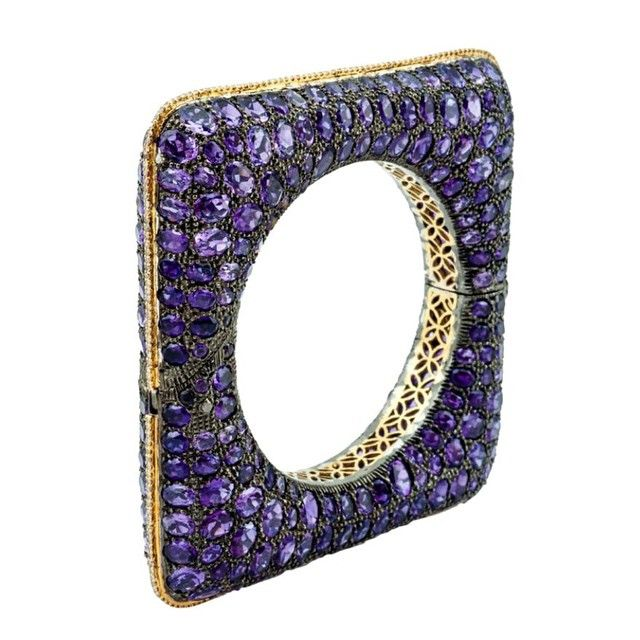 Square bangle set with 153.12cts of Amethysts, and 2.85cts of diamonds