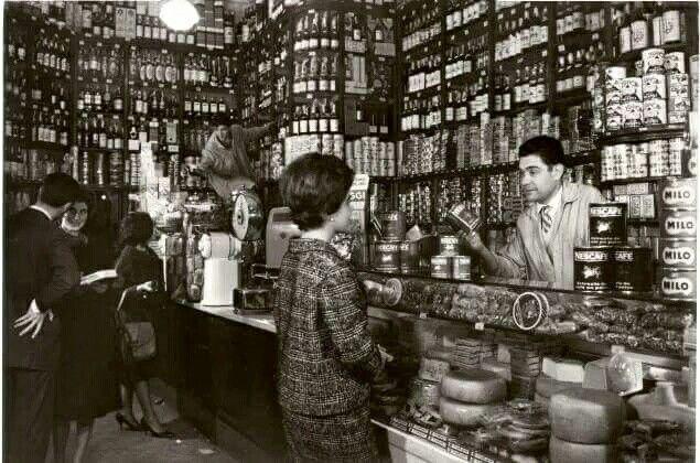 Colmado en Barcelona. 1960.
