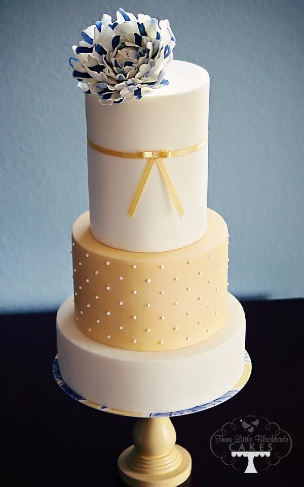 Pretty Wedding Cakes Inspiration. To see more: http://www.modwedding.com/2014/04/28/pretty-wedding-cakes-inspiration/ #wedding #weddings #dessert #cake Featured Cake Design: Three Little Blackbirds