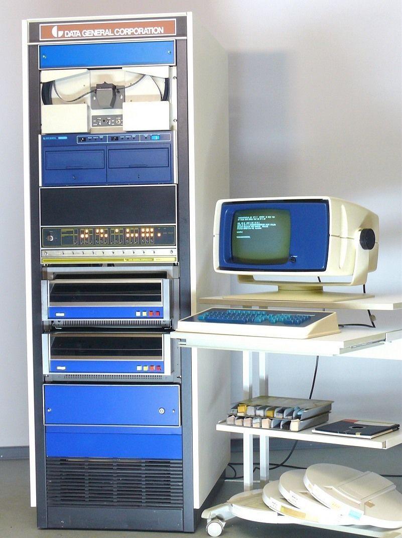 Nova 2 10 Data General Komplettanlage Im 19 Schrank Riesen Raritat Ca 1972 Alter Computer Computer Ebay