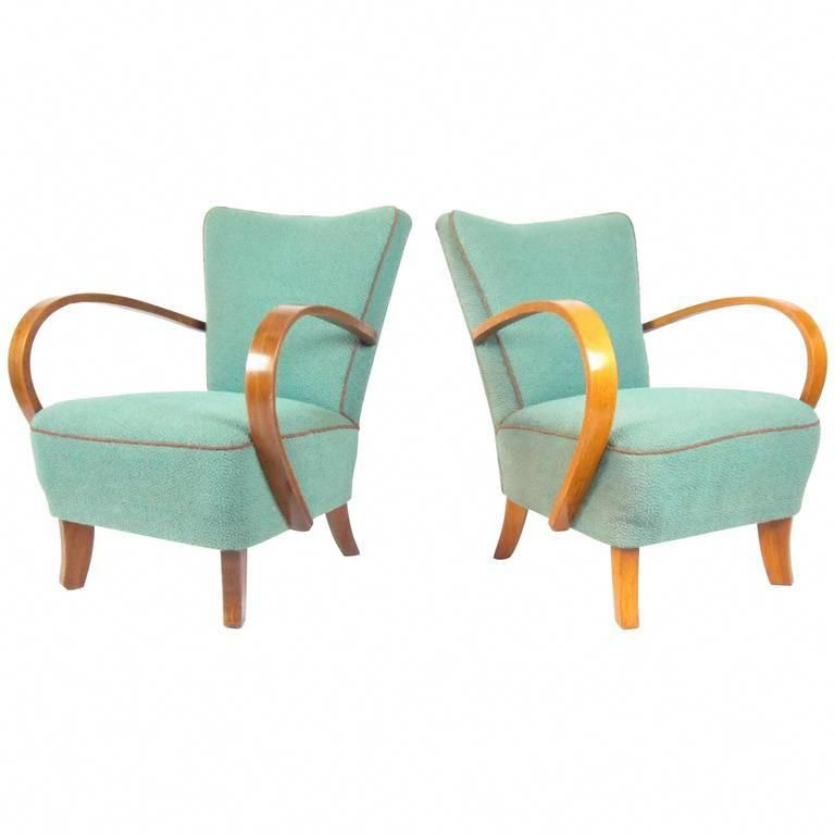 Swell Pair Of Bentwood Lounge Chairs By Jindrich Halabala Circa Spiritservingveterans Wood Chair Design Ideas Spiritservingveteransorg