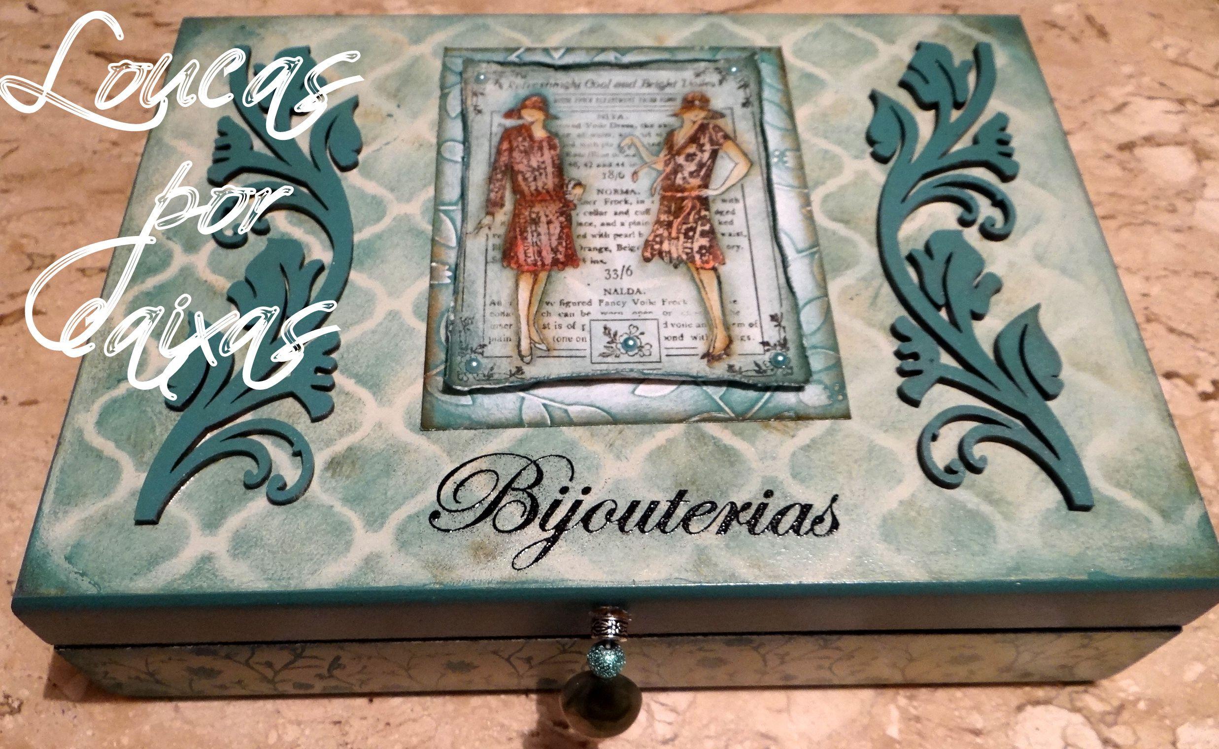 Carimbos utilizados:  fundo - 912 damas antigas - 3866 bijouterias - 3428 feito a mão - fazemos com seu nome - 3414