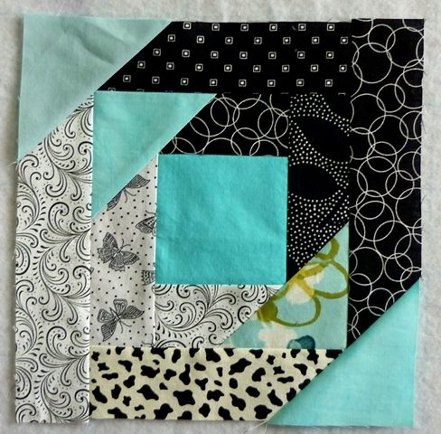What comes next?: Happy Sunday! Bonnie Hunter's Pineapple Blossom block from www.quiltville.com