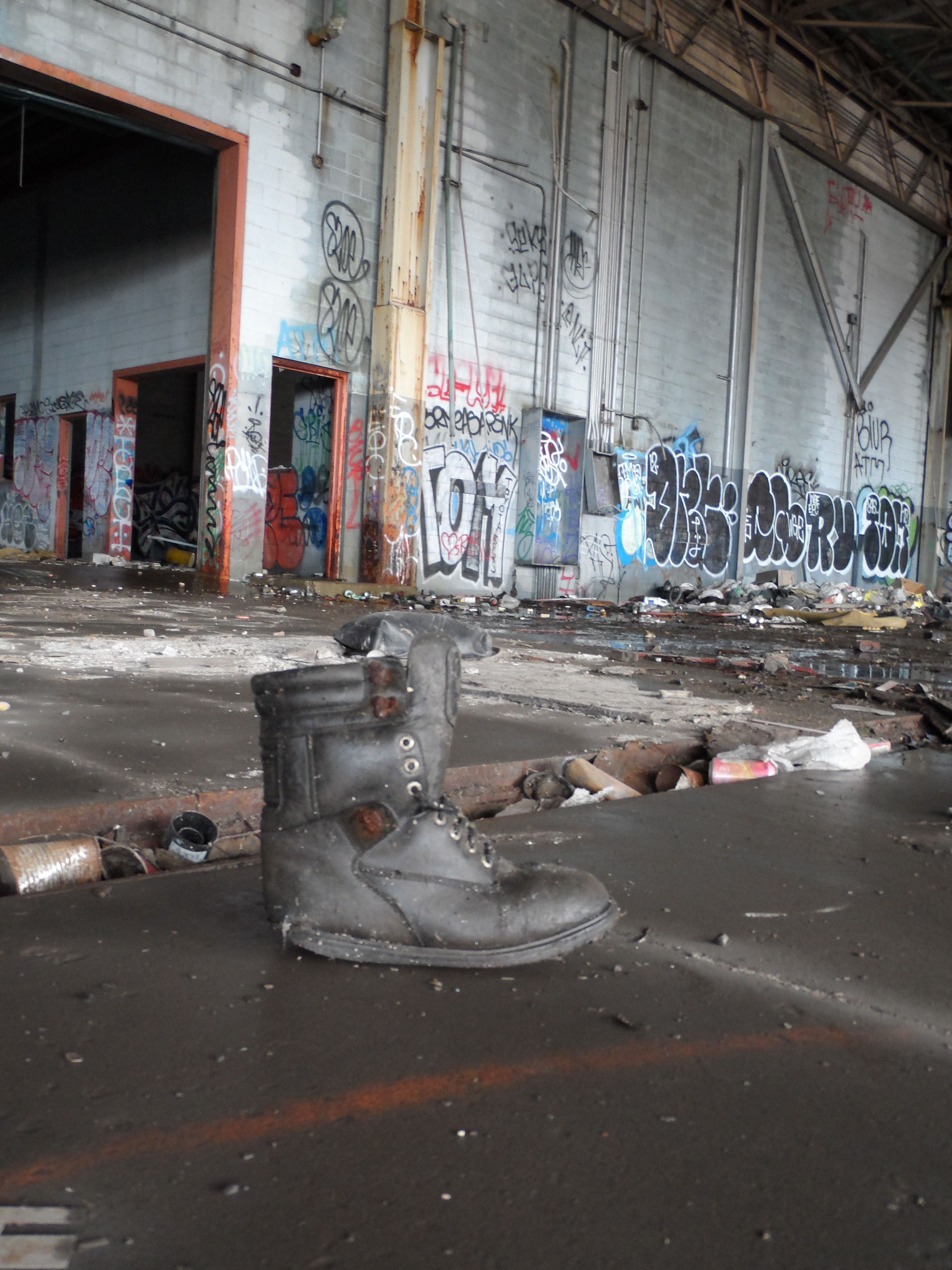 Urban Spelonking (by Ronald Wiggers)