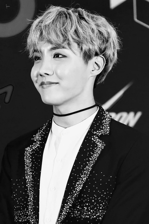 BTS black&white photo.