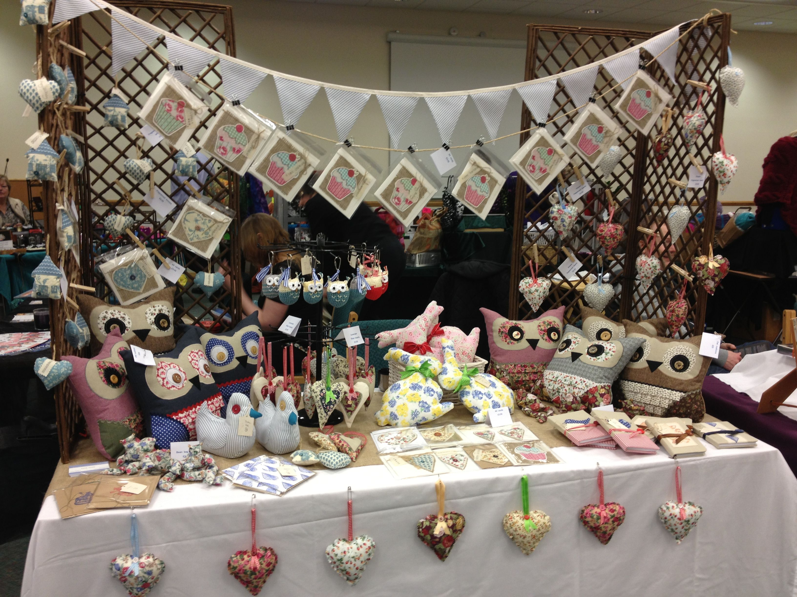 Craft Fair Booth Idea With Bunting Like The Height Of Tent In The