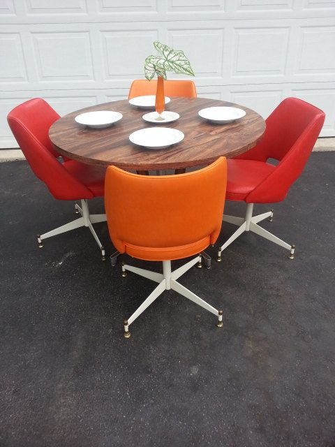 Dinette Swivel Chairs. Mushroom Base Glass Top  Caster Chair