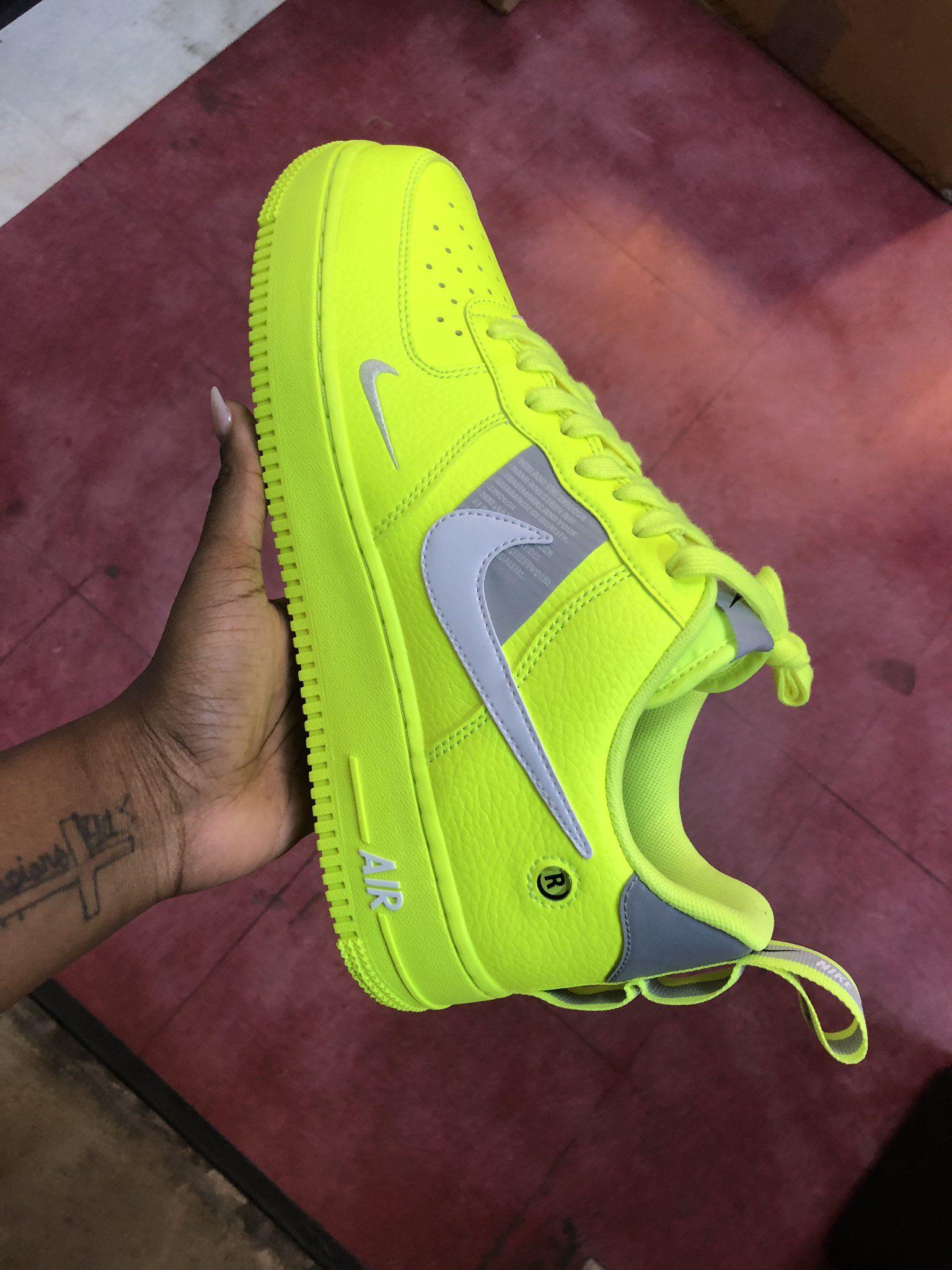 nike air force 1 verde fosforescente