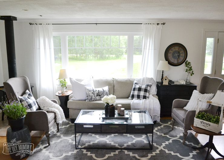 Perfect A Black And White Rustic Cottage Farmhouse Living Room