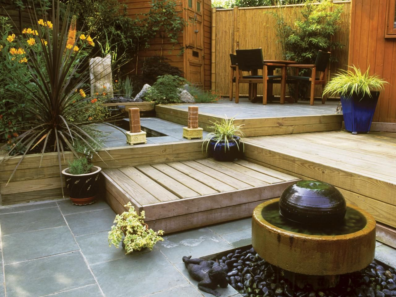 Pictures and Tips for Small Patios | Pinterest | Small yard design ...