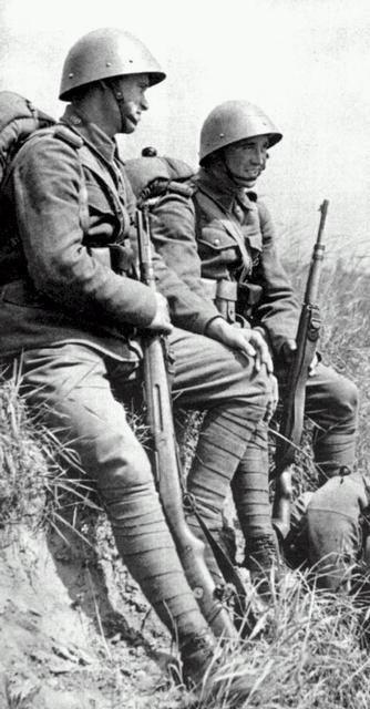 Slovakian soldiers | Slovakia | Ww2 uniforms, World war two, War