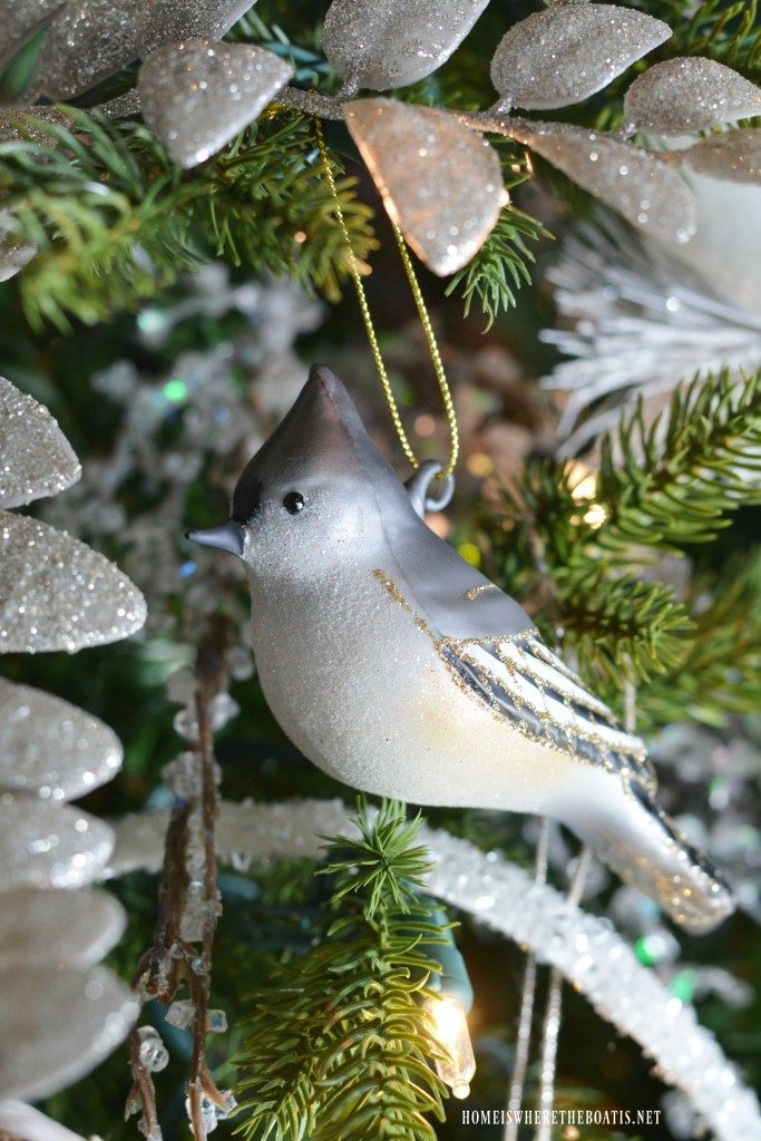 Winter Nesting Tree with sparkling snowflakes, icy branches, glittery nests and bird ornaments   ©homeiswheretheboatis.net #Christmastree #wintertree #birds