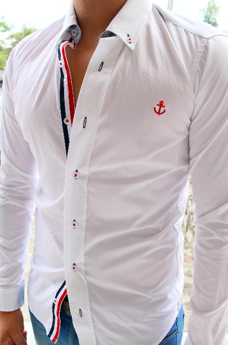 792adf7a2 Camisa edición de lujo hecha en México corte ajustado Resaltando la moda  mexicana
