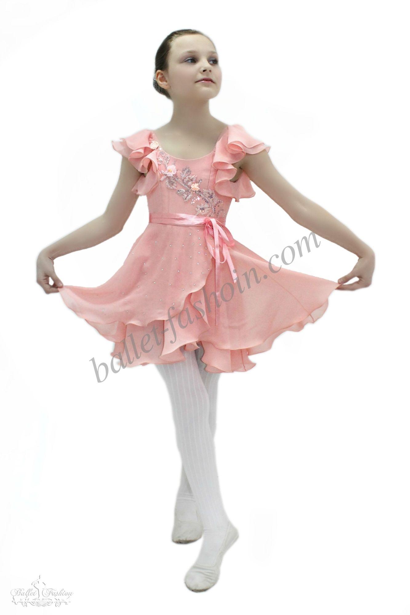 Petite Fleur | A Midsummer Night\'s Dream | Pinterest | Costura