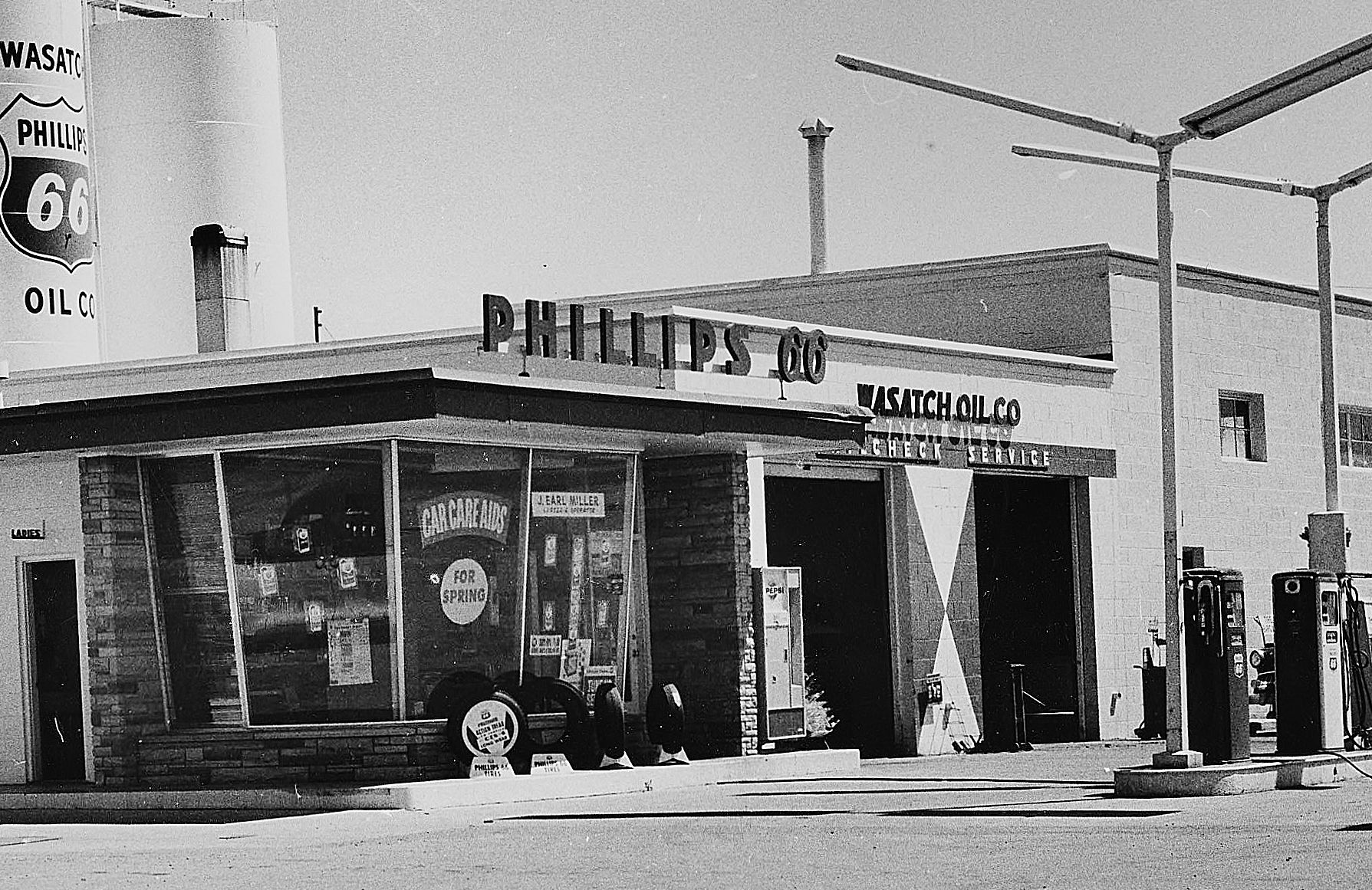 Phillips 66 service station on 13th and wall in ogden