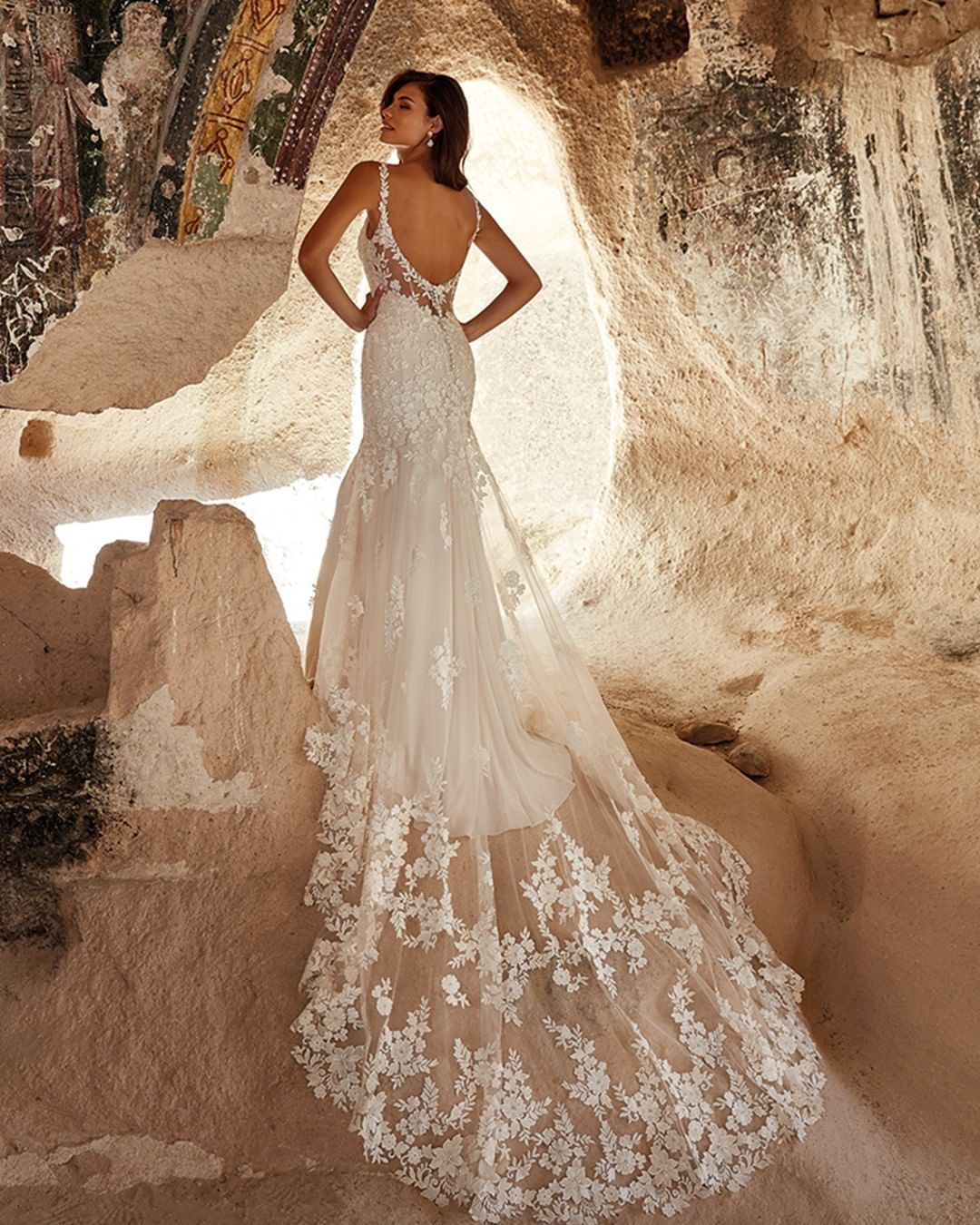The Dreamiest Delicacy Is Called Sasha Style Dr2033 Eddykdreams To Try Her On Book Your Free Vip Appointme In 2020 Wedding Dresses Dresses Designer Bridal Gowns
