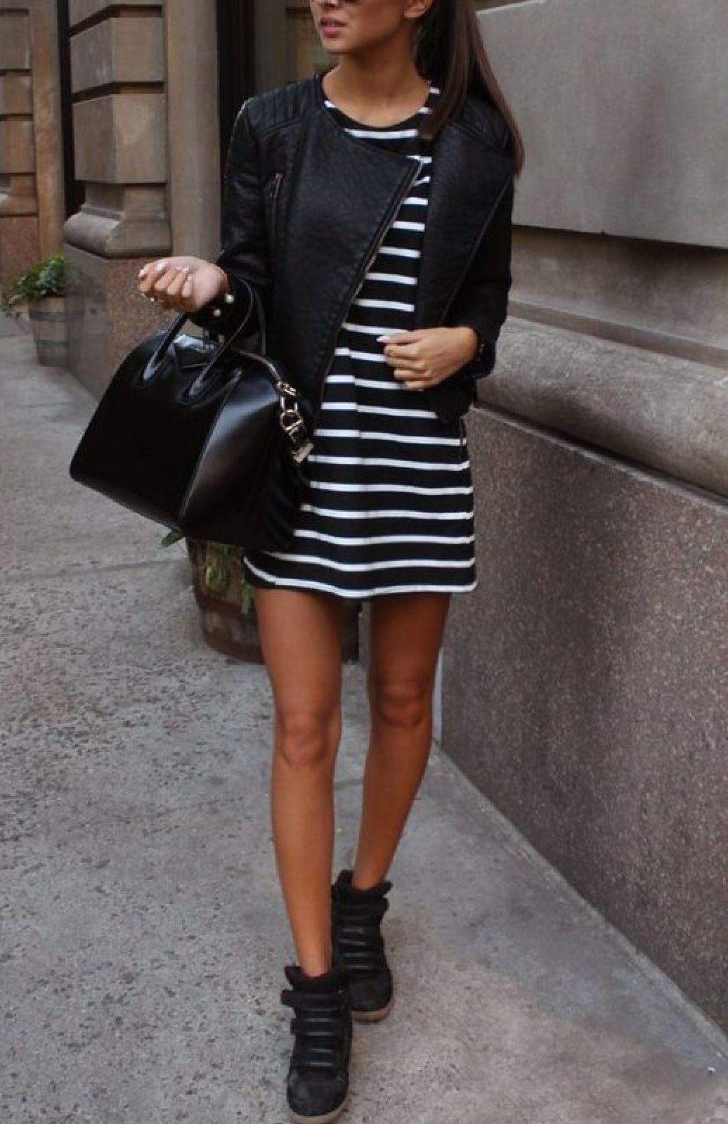 vestido rayas campera cuero botitas negras  19221d0b29fc