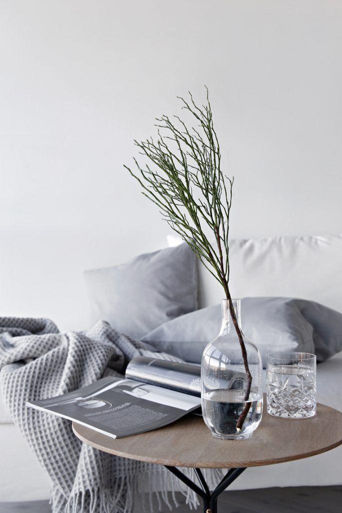 Nina Holst Stylizimo Wohnzimmer Einrichten Dekorieren Sofa Ikea Weiß Grau  Monochrom Skandinavisch Modern Minimalistisch Reduziert Schlicht  Frühlingsdeko ...