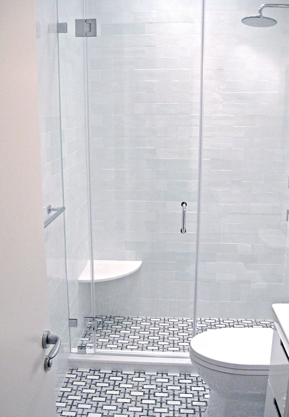 West Chelsea Residence - Master bathroom floor: Stone Mosaic ...