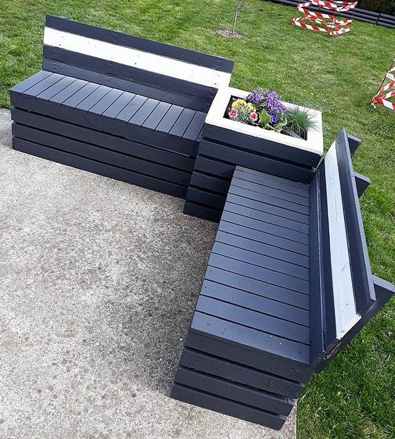 22 pallet garden couch