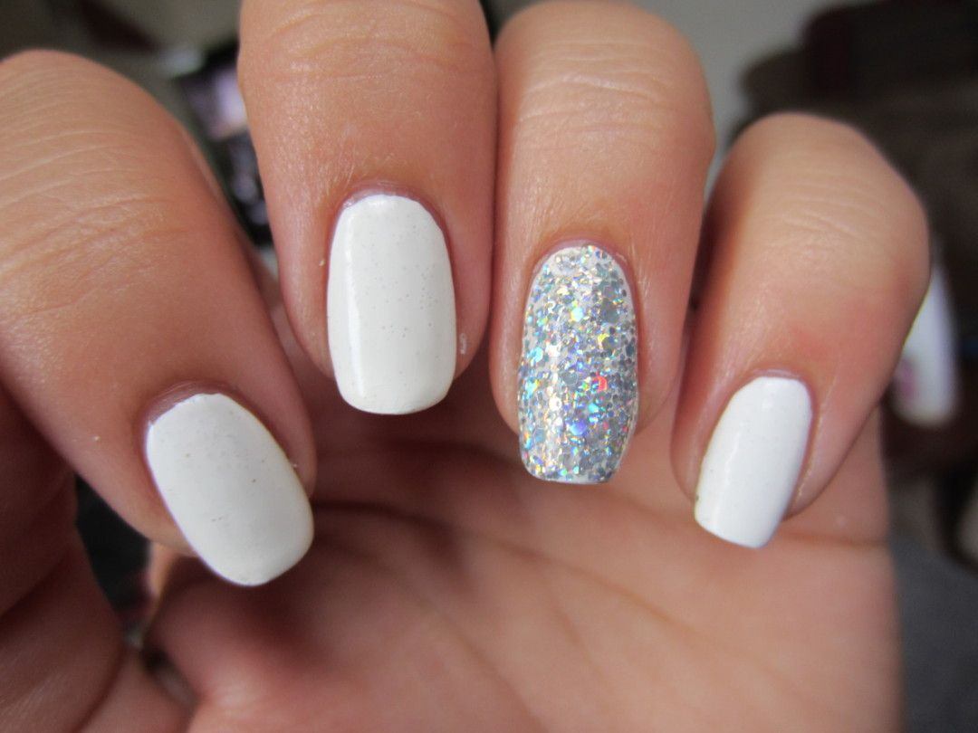 white gel nails, sparkly nails, pretty manicure, winter manicure