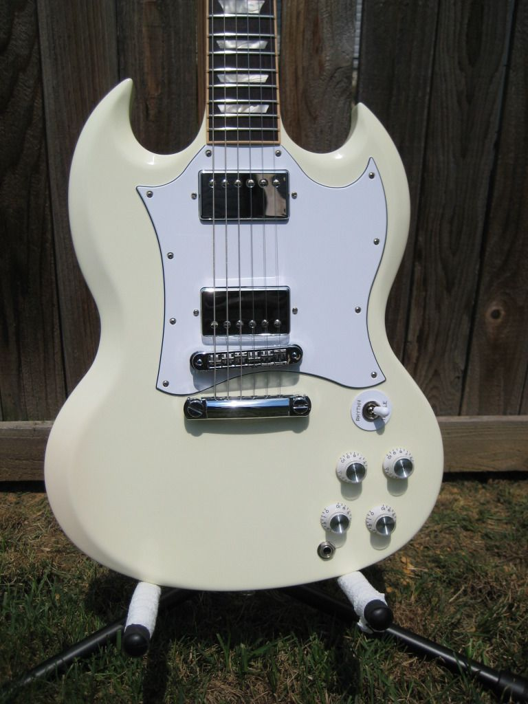 Gibson Sg White W Pickguard Guitars In 2018 Pinterest 5039s And Modern Wiring Style Diagram From Http Wwwmylespaulcom Guitar Amp Custom