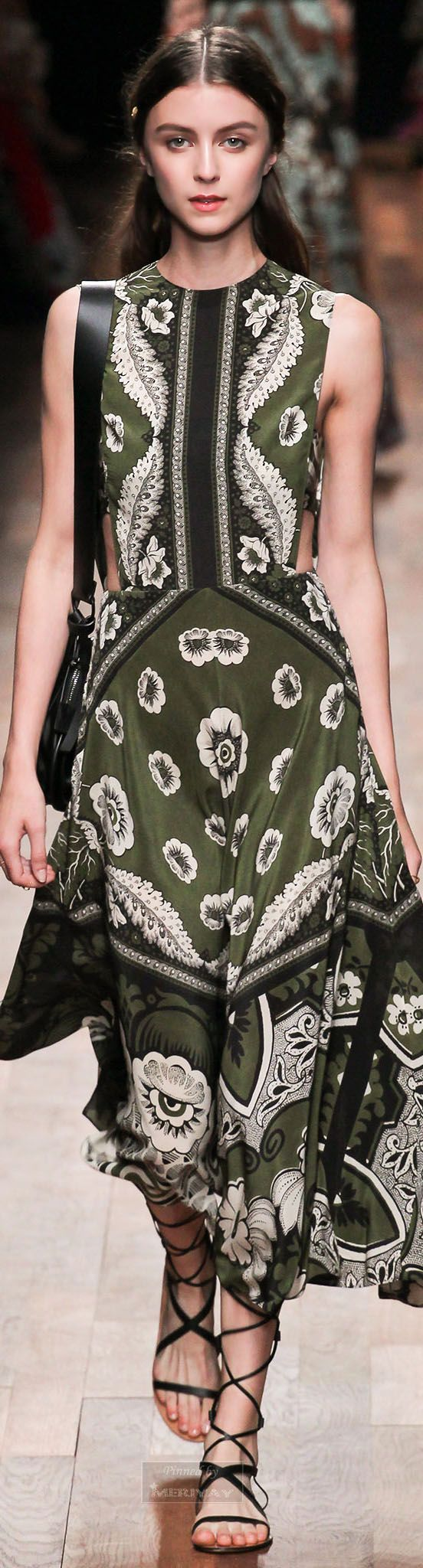 Valentino.Spring 2015...right color tho a bit concerned about hard contast ... Still bugging my eye, considering moving