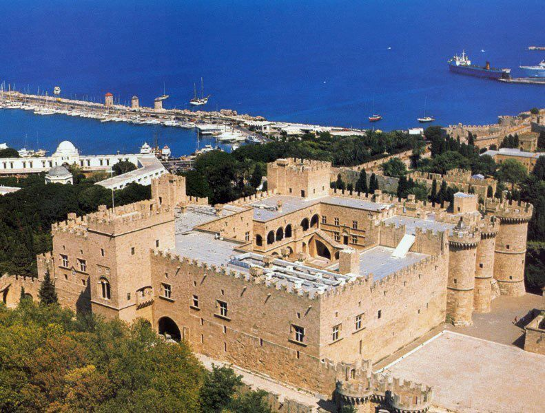 The castle of the Knights of Rhodes | The Beauty of Greece