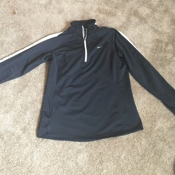 Nike Rummaging Long Sleeve Large Beautiful Nike Tops Tees - Long Sleeve