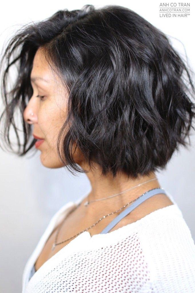 ANH CO TRAN Cheveux courts ondulés, Produits capillaires
