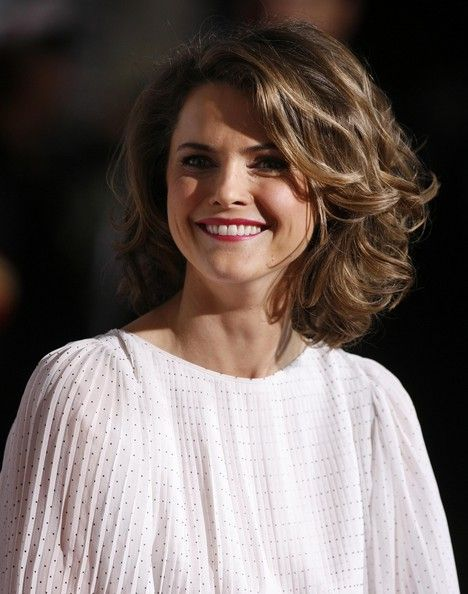 More Pics Of Keri Russell Medium Curls Short Hair Styles For Round Faces Celebrity Short Hair Sholder Length Hair Styles