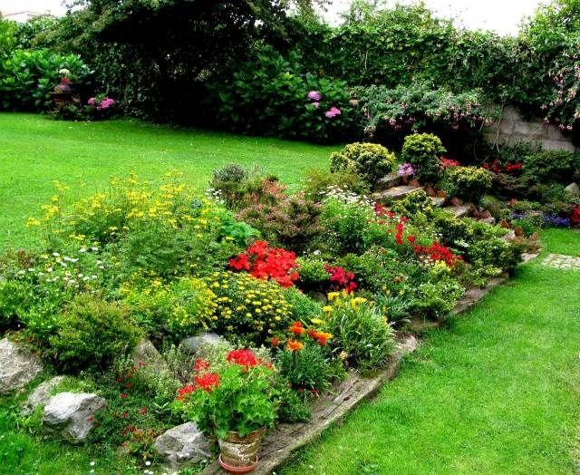 71 id es et astuces pour cr er votre propre jardin de rocaille jardin de rocaille rocaille et. Black Bedroom Furniture Sets. Home Design Ideas