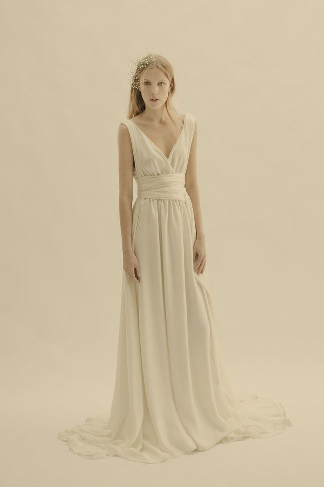 20b2fdc31c08bb Vestido Esperanza con corte imperio de piel de ángel con drapeado en ...