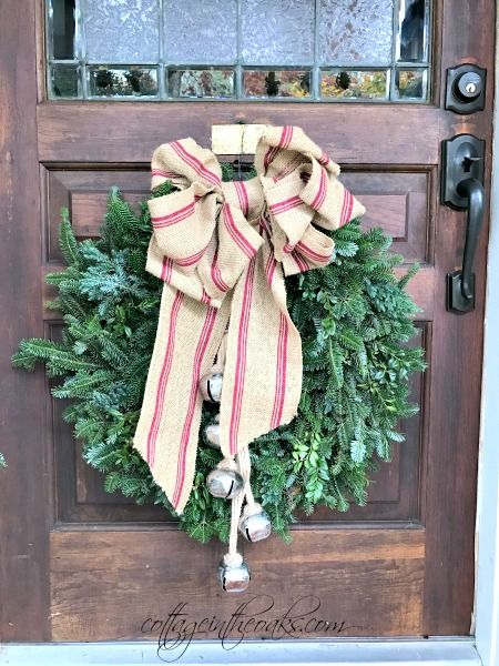 Cottage Christmas Front Porch Ideas Front doors, Wreaths and